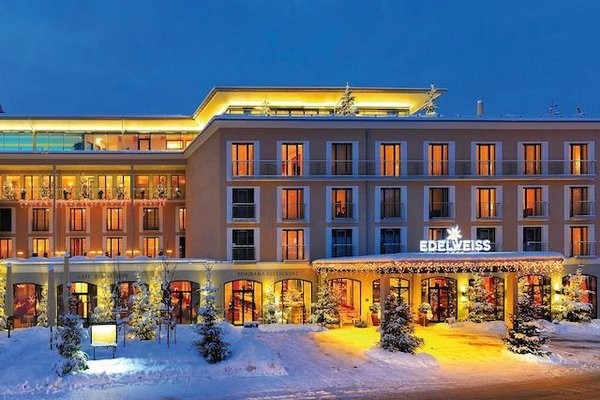 Hotel Edelweiss in winter
