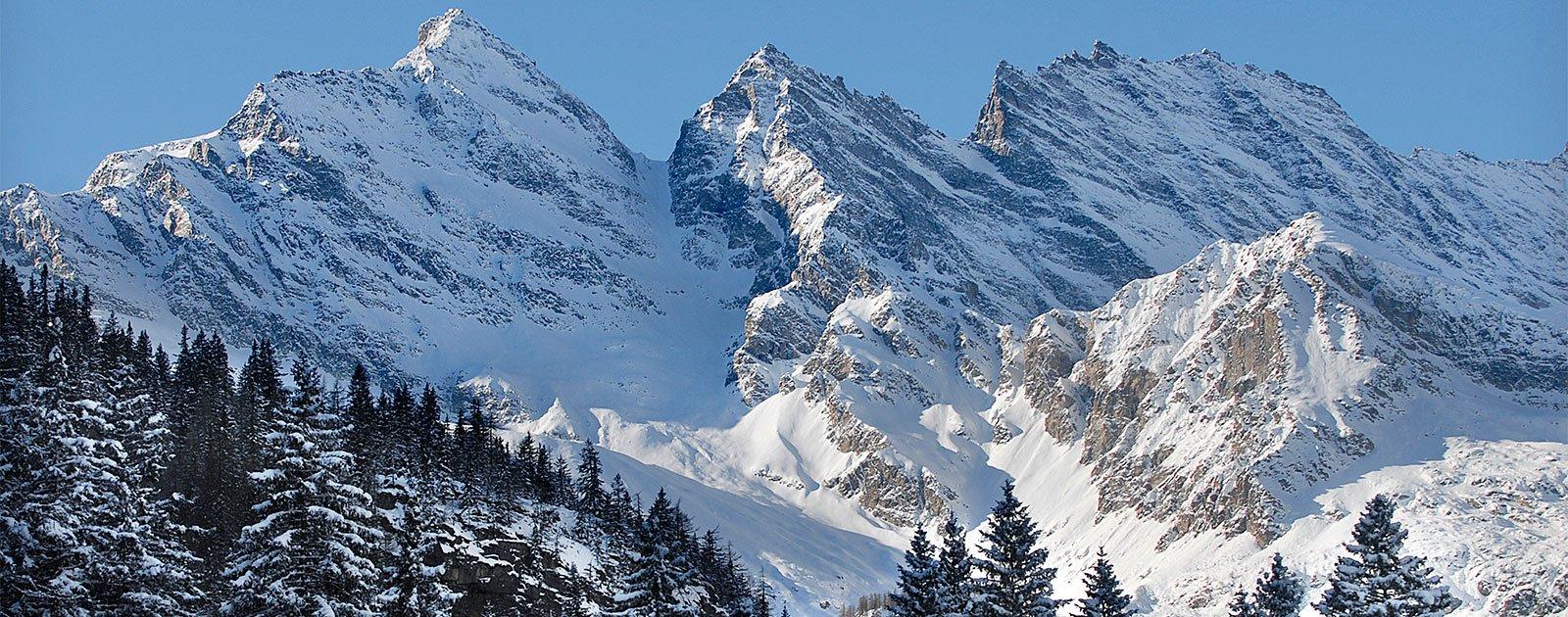 Winterliche Bergkulisse