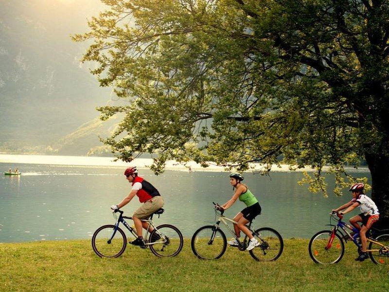 Radfahrer am Bleder See