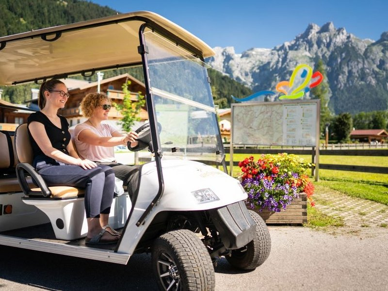 Golf Car in Werfenweng (c) Dietmar Denger
