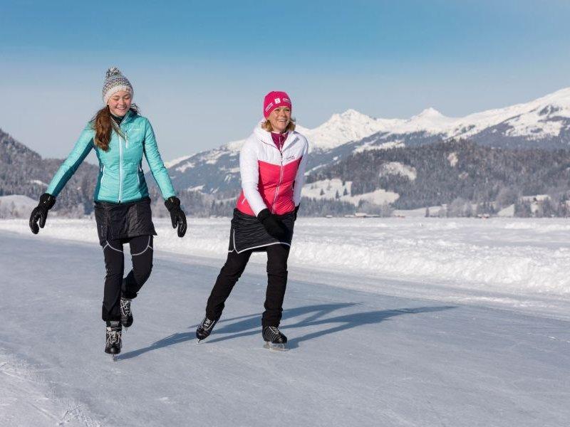 Eislaufen am Weissensee (c) Weissensee Tourismus