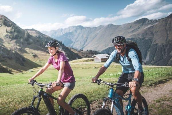 Mountainbike-Tour auf die Kerschbaumeralm bei Ratschings (c) Manuel Kottersteger