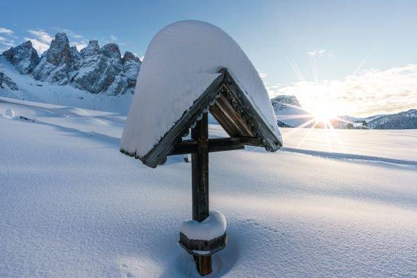 Winterlandschaft Villnöss mit Geislerspitzen