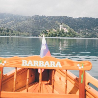 Pletna Boot am Bleder See