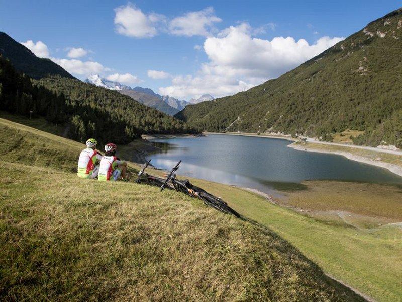 Mountainbiker bei der Pause