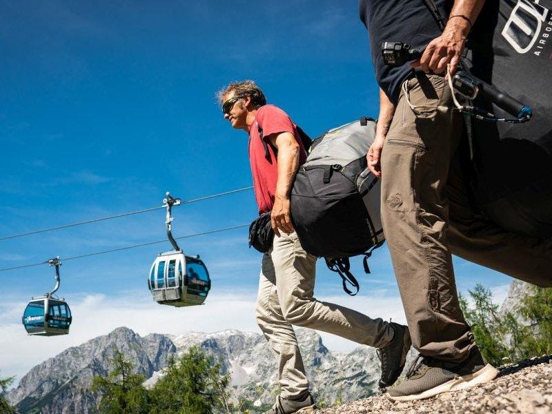 Paraglider mit Gondel Werfenweng (c) Dietmar Denger