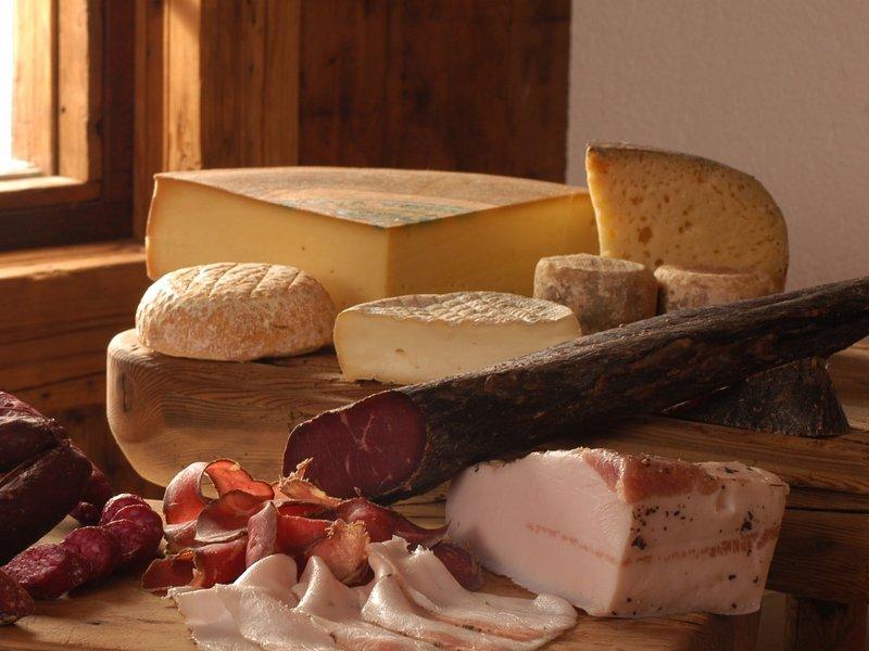 Regionale Köstlichkeiten aus dem Aostatal (c) Paolo Rey