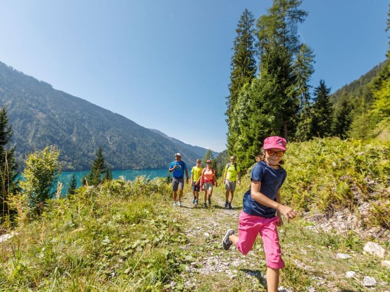 Familienwanderung Weissensee (c) Weissensee Tourismus