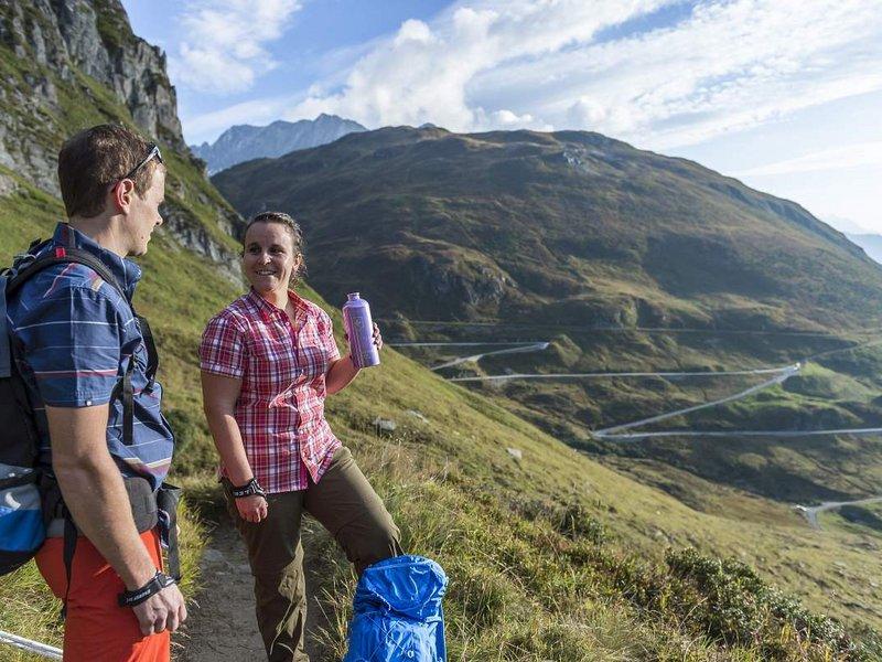Wandern Frühling Disentis Graubünden