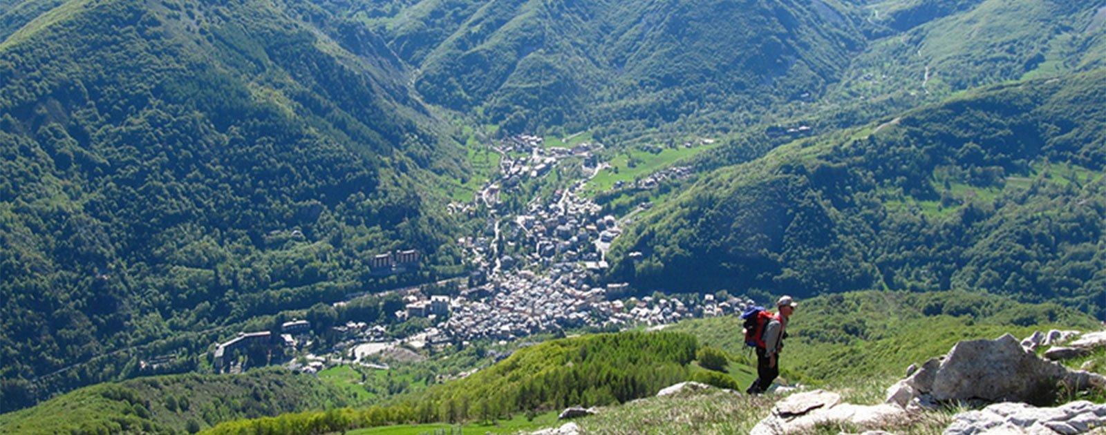Wanderer in den Bergen von Limone