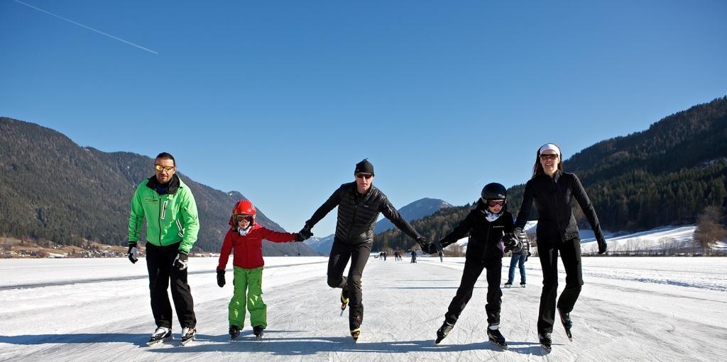 Eislaufen Familie Weissensee