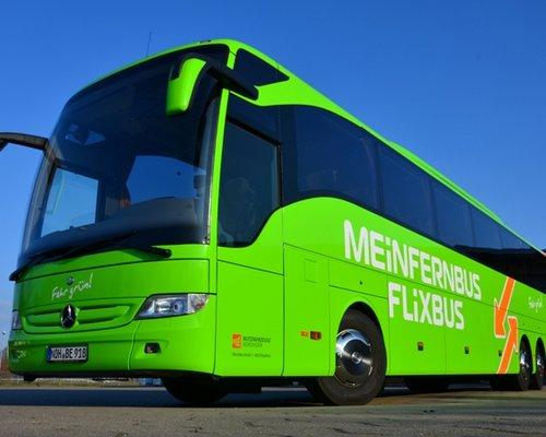 Holildays by long-distance bus service